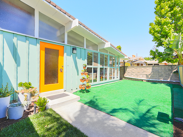 Open house for an incredible and affordable mid century for Affordable modern homes for sale