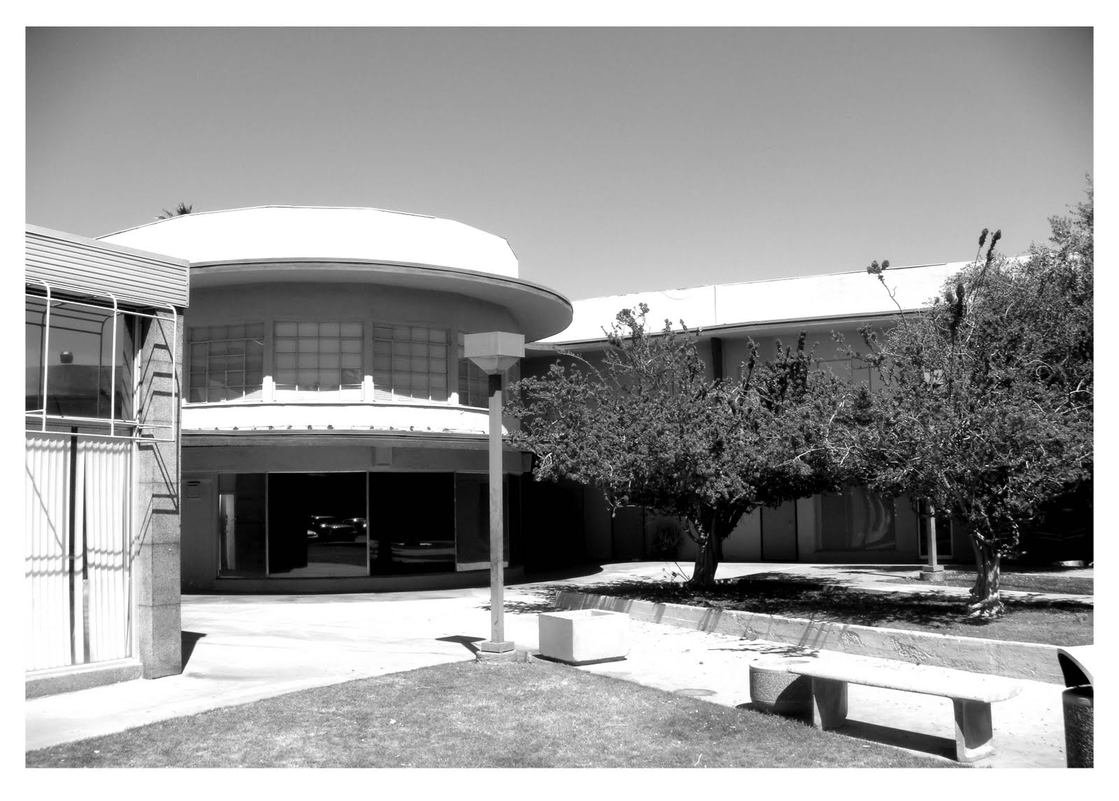 Palm Canyon 174 - Courtyard - bw